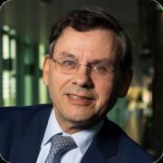 Noé van Hulst - Chair  - IPHE